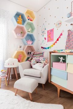 Good Pics Alicia& room was selected by MOOUI. Then you understand that their stuff winds up virtually throughout the home! Big Girl Bedrooms, Little Girl Rooms, Girls Bedroom, Playroom Design, Kids Room Design, Baby Room Decor, Bedroom Decor, Bedroom Ideas, Girl Bedroom Designs