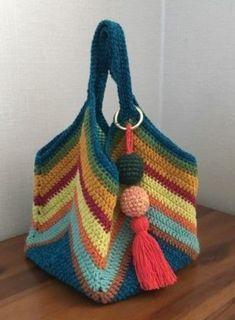 Crochet handbags 120752833745021028 - DIY: Crochet Bag # 1 DIY Bag and Purse Source by porelmundo Diy Crochet Bag, Crochet Purse Patterns, Crochet Market Bag, Crochet Shell Stitch, Love Crochet, Crochet Gifts, Simple Crochet, Beautiful Crochet, Crochet Flowers