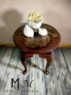 Dress up Your Tabletop with a Stain Work of Art