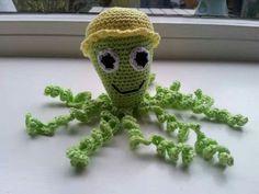 Dit is het inktvisje Okki, gemaakt voor de couveusekindjes door Amanda Woldering.
