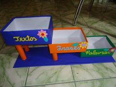 Materiais para a sala de leitura da Escola Paulo Bastos  Caixoteca:      A leitura passo a passo (escalando degraus) :    Tapete mágico: p...
