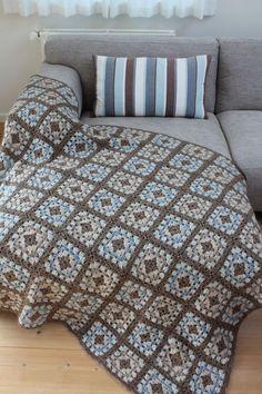 36 Ideas for crochet granny square blanket pattern quilts Crochet Rug Patterns, Crochet Motifs, Crochet Quilt, Granny Square Crochet Pattern, Crochet Squares, Crochet Granny, Easy Crochet, Crochet Baby, Crochet Ideas