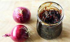 Cea mai renumita reteta frantuzeasca de dulceata de ceapa rosie sau alba caramelizata, cu gust deosebit si preparata rapid si usor...