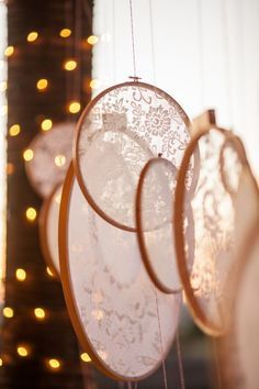 Find everything you need to make your wedding decorations beautiful! Decorations for a rustic wedding. Decorations for a country wedding. Decorations ideas for a rustic chic wedding. Boho Wedding Decorations, Rustic Wedding Centerpieces, Wedding Themes, Wedding Events, Wedding Ideas, Wedding Details, Diy Wedding Crafts, Wedding Locations, Wedding Favors