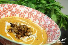 Ein lecker #Süppchen geht doch immer oder? Hier habe ich eine #Tomaten-Linsen-Suppe für Euch mit #indischem #Touch. Das #Rezept für eine ganz klassische #Zubereitungsweise im #Kochtopf. Das #Rezep für den #Thermomix bekommt einen eigenen #Artikel.