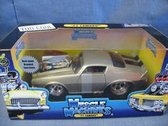 Muscle Machines 1:24 Scale Die-Cast 1971 Chevy Camaro Z/28 Replica