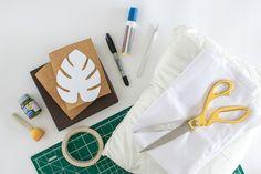 Que tal aprender a criar uma almofada carimbada? Esse faça você mesmo é simples e não exige conhecimento em costura. Perfeito, né? Veja mais.