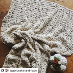 Le @teaandcakehandmade has made a gorgeous Sweet Haven Baby Blanket! I just had to repost :-) Her work is beautiful and you can DM her to get this blanket for your very own!!! -  #celebratinghandmade #crochetblanket #babyblanket  #Repost @teaandcakehandmade with @repostapp  10 balls of yarn are busted from my stash with nary a cm to spare  this is the first time I've crocheted a blanket in just one colour and this is where the pattern shines  @hiddenmeadowcrochet #sweethavenblanket is all…