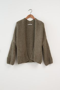 YAYA FW'16   SOFT LIKE MOSS   KEY ITEM#YAYAthebrand #YAYAFW16 #softlikemoss #keyitem Nice Things, Key, Pullover, Green, Sweaters, How To Wear, Fashion, Tents, Moda
