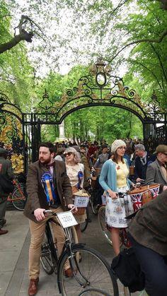 Tweed Run, Antique Bicycles, London, Running, Keep Running, Why I Run, London England