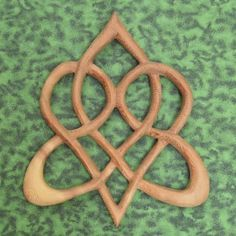 Stylized Celtic Heart-Knot of Everlasting Love-Heart Shaped Wood Celtic Symbols, Celtic Art, Love Symbols, Irish Symbols, Celtic Patterns, Celtic Designs, Celtic Heart Knot, Celtic Knots, Arte Viking