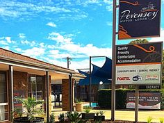 Echuca Pevensey Motor Lodge Australia, Pacific Ocean and Australia Pevensey Motor Lodge is a popular choice amongst travelers in Echuca, whether exploring or just passing through. The hotel offers a high standard of service and amenities to suit the individual needs of all travelers. Take advantage of the hotel's free Wi-Fi in all rooms, facilities for disabled guests, Wi-Fi in public areas, car park, room service. Each guestroom is elegantly furnished and equipped with handy ...