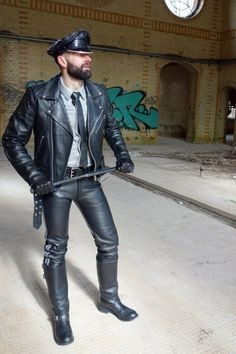Leather and Uniform Master Mens Gloves, Leather Gloves, Leather Men, Black Leather, Leather Jackets, Leather Fashion, Mens Fashion, Leder Outfits, Bearded Men