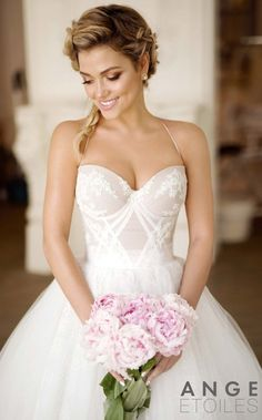 20 Fabulous Wedding Dresses you can buy on Etsy WeddingDress #WeddingDresses #BridalGown #Bride #Wedding #BridalDress #BridalCollection #BridalFashion #BallGown #SophisticatedBride