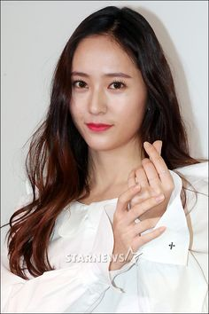 f(x) Krystal at Basch+Lomb's Event ~ Wonderful Generation ~ All About SNSD, Wonder Girls, and f(x)