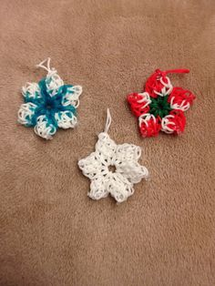 Rainbow Loom Ornaments see more at www.facebook.com/crowleycrafts
