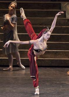 <3 Olga Smirnova in La Bayadère by the Bolshoi Ballet <3