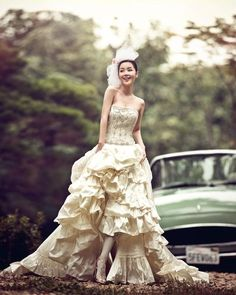 Fully beaded tube top with layered skirt gown / Korean Concept Wedding Photography - IDOWEDDING (www.ido-wedding.com)