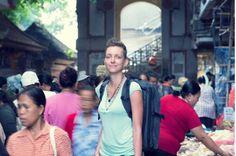 Mit Planet Backpack gehört Conni Biesalski zu den erfolgreichsten Reisebloggern in Deutschland und zu den ersten digitalen Nomaden, die mit ihrem Online-Business an den Orten leben und arbeiten, an denen andere Urlaub machen. Im Interview erzählt sie, wie sie ihr erstes Geld als digitale Nomadin verdient hat und worauf es bei einem erfolgreichen Reiseblog ankommt.