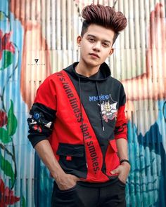 Photo Poses For Boy, Cute Boy Photo, Boy Poses, Cute Girl Pic, Cute Girls, Photoshoot Pose Boy, Stylish Photo Pose, Handsome Celebrities, Cute Boys Images