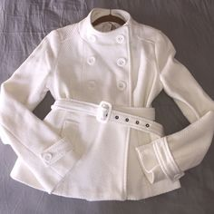 New blazer/coat New with tags and extra buttons, color off white Forever 21 Jackets & Coats Blazers