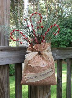 Folk Art PrimiTive CHRISTMAS Holiday sAnTa SaCk BaG Door OrnamenTs DecOraTion #PrimitiveLook #MelissaHarmon
