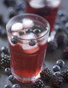 Halloween Cocktails, Summer Cocktails, Homemade Lemonade, Iced Tea, Healthy Drinks, Panna Cotta, Blueberry, Pudding, Favorite Recipes