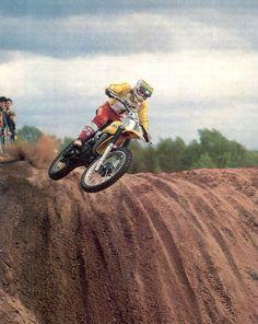 Gaston Rahier cam. del mundo 125 cc. 1975-76-77 con Suzuki
