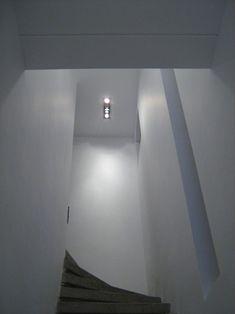 O casa in Vatra Luminoasa – O casa pe zi Modernism, Wall Lights, Bathtub, Restaurant, Lighting, Home Decor, Standing Bath, Modern Architecture, Appliques