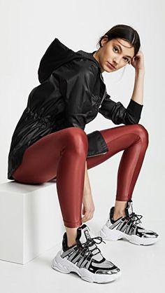 Sport Fashion, Girl Fashion, Womens Fashion, Figure Poses, Woman Silhouette, S Models, Workout Wear, Lounge Wear, Active Wear
