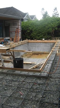 concrete-pool---formwork-for-second-pour-around-pool-adges---reinforcement-for-slab-on-grade-around-pool-2