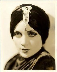1930s Turban~ o, yes, this I want!                                                                                                                                                                                 More