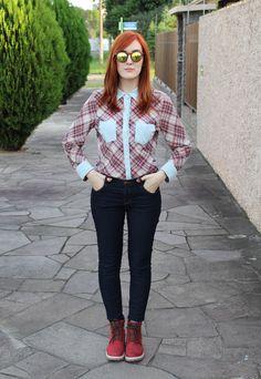 look para festa de são joão - camisa xadrez - coturno vermelho - coturnos coloridos - freeway shoes - calça jeans - forever 21 - óculos de sol espelhado