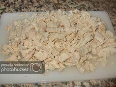 Salata de pui si porumb preparare reteta Coconut Flakes, Spices, Food, Salads, Spice, Essen, Meals, Yemek, Eten