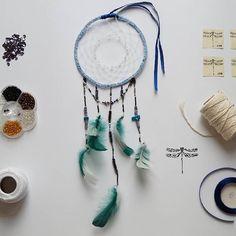 Łapacz snów / dreamcatcher  #dreamcatcher #twine #feathers #beats #dragonfly #macrame #handmade #łapaczsnów #łapaczesnów #koraliki #wazki #ważki #ważka #mikadiakow #recznierobione #ręcznierobione #pióra #piora #makrama #szturek #nić #lapaczsnow #nofilter #handmadewithlove #handmadewithlove❤ #green #blue #gold #white