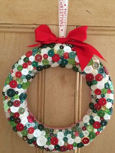 14 Easy and Fun Button Craft Ideas - Button Art - unique crafts Christmas Button Crafts, Button Crafts For Kids, Christmas Buttons, Christmas Ornament Crafts, Holiday Crafts, Christmas Wreaths, Christmas Crafts, Halloween Crafts, Fun Craft