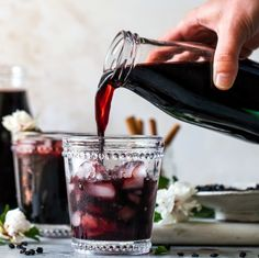 Homemade Elderberry Syrup Homemade Elderberry Syrup,You can find Syrup and more on our website. Natural Home Remedies, Herbal Remedies, Health Remedies, Flu Remedies, Healthy Drinks, Healthy Recipes, Stay Healthy, Healthy Eats, Vinegar And Honey