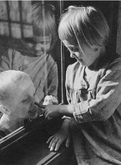 Am Fenster spielende Kinder, 1938, Jenö Dulovits. Hungarian (1903 - 1972)