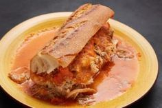 Tortas Ahogadas-Interesting recipe for carnitas! Authentic Mexican Recipes, Mexican Food Recipes, Mexican Kitchens, Mexican Dishes, Mexican Meals, Mexican Chicken, Pork Recipes, New Recipes, Cooking Recipes