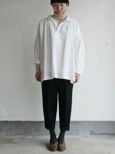 Roll collar gather blouse medium/Big tapered pants 2