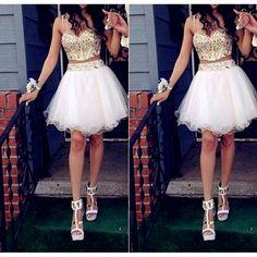 vestidos cortos con espalda descubierta en forma de corazón ,