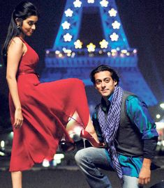 #11YearsOfLondonDreams #30Oct2009 #SalmanKhan #AjayDevgn #Asin #AdityaRoyKapur #RannvijaySingh #VipulAmrutlalShah #BollywoodFlashback #muvyz #muvyz102919 Rannvijay Singh, Salman Khan Photo, London Dreams, Movie Teaser, Handsome Actors, Superstar, Big Big, Bollywood, Poses