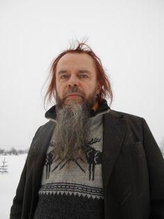 """Tekijöiden päivillä 2016 runoilija Tapani Tavi, Kittilä, teoksellaan """"Milja idän ja pohjoisen joen nainen"""""""