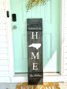 Welcome your guests with this hand painted front porch sign. Can be customized with your family name and state. Approximately Stain Pictured: Ebony Lettering: White Sealed & protected for the outdoors! Outdoor Welcome Sign, Welcome Signs Front Door, Front Porch Signs, Front Door Decor, Front Porch Decorations, Diy Front Porch Ideas, Patio Ideas, Painted Front Porches, Country Front Porches