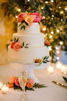 Simple wedding back with flowers