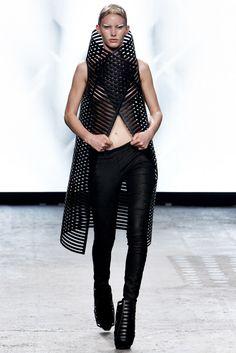 Gareth Pugh Spring 2012 Ready-to-Wear Collection Photos - Vogue