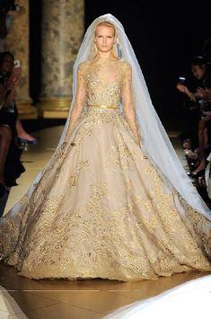 vestido-novia-color-dorado-01