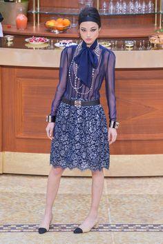 Pin for Later: Die 12 größten Mode-Trends in diesem Herbst  Chanel Herbst/Winter…