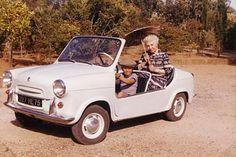 Vespa 400, Miniature Cars, Car Makes, Small Cars, Mens Suits, Antique Cars, Automobile, Bike, Vehicles