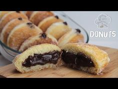 Recipe how to make sugar donuts stuffed with homemade chocolate cream Chocolate Cream, Homemade Chocolate, Sugar Donut, Diy Food, Hot Dog Buns, Deserts, Muffin, Food And Drink, Bread